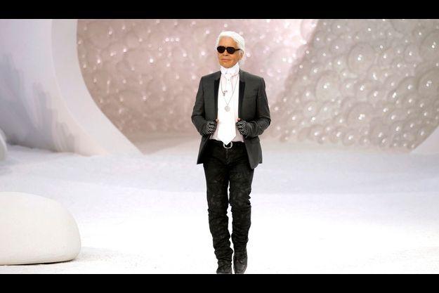 Karl Lagerfeld, directeur artistique de l'ensemble des collections Chanel depuis 1983