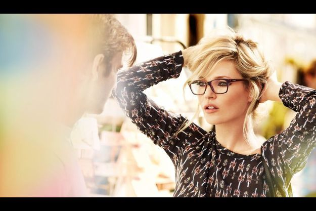 Kate Moss a choisi six modèles iconiques de la collection Vogue Eyewear