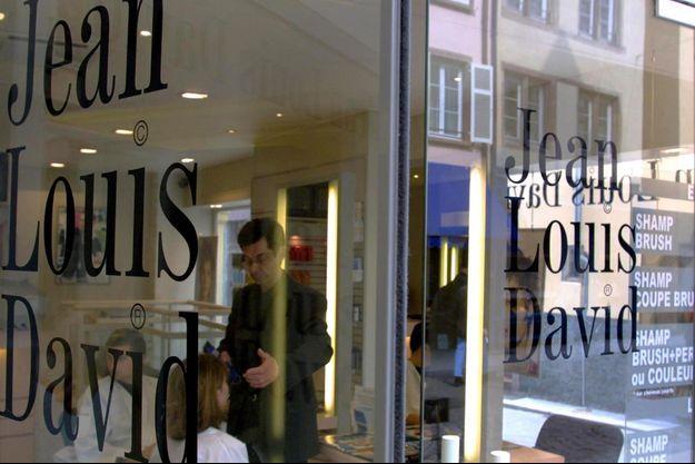 Un salon de coiffure de la chaîne Jean-Louis David. (Photo d'illustration, prise le 18 avril 2002 à Strasbourg).