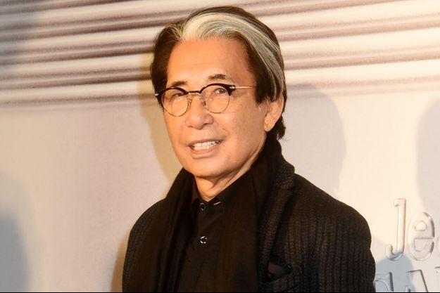 Kenzo Takada lors de sa dernière apparition publique officielle en janvier 2020 au défilé de Jean Paul Gaultier à Paris