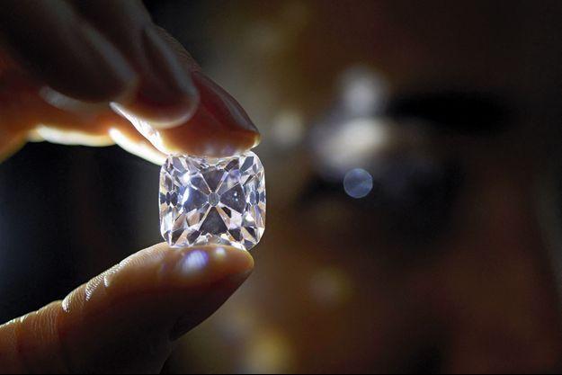 D'un rose très léger, le Grand Mazarin est l'un des célèbres diamants venant des mines de Golconde.