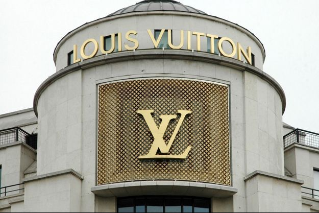 L'enseigne Louis Vuitton.