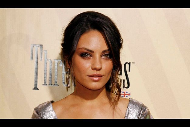 Mila Kunis vient de poser pour la campagne Printemps/Eté de la maison Dior.