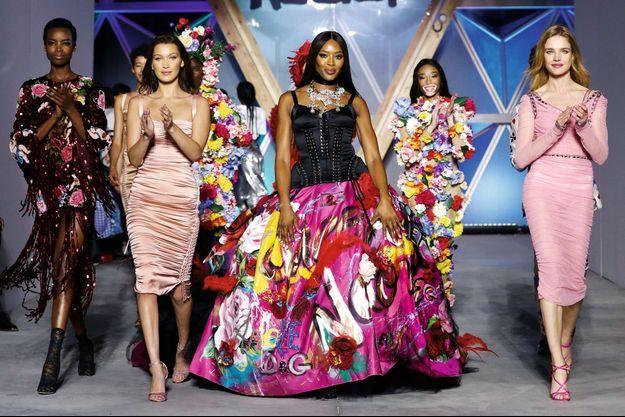 La top est la porte-parole de Fashion for Relief et l'organisatrice du gala de l'association d'aide aux enfants. En juin 2019.