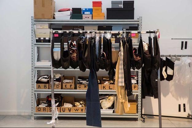 Vêtements et accessoires de seconde main ont un impact très positif sur l'environnement. Ici chez Vestiaire Collective, site de vente en ligne d'occasion.
