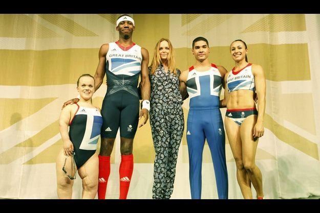 Stella McCartney a présenté jeudi sa collection spéciale pour les athlètes britanniques des Jeux Olympiques de Londres.