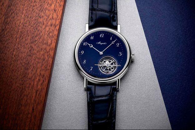 Breguet dévoile la version bleue de sa Classique Tourbillon Extra-Plat
