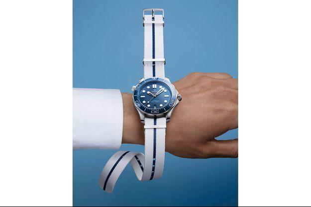 Omega lance six nouveaux modèles de bracelets NATO pour l'été.