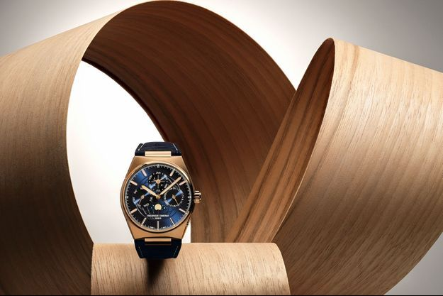 La nouvelle Highlife Perpetual Calendar Manufacture en or rose 18 carats