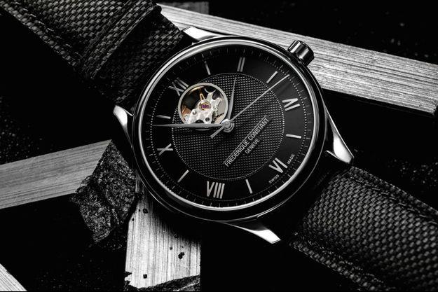La collection Classics Index Automatique regroupe les premiers prix en montres automatiques de la manufacture horlogère suisse.