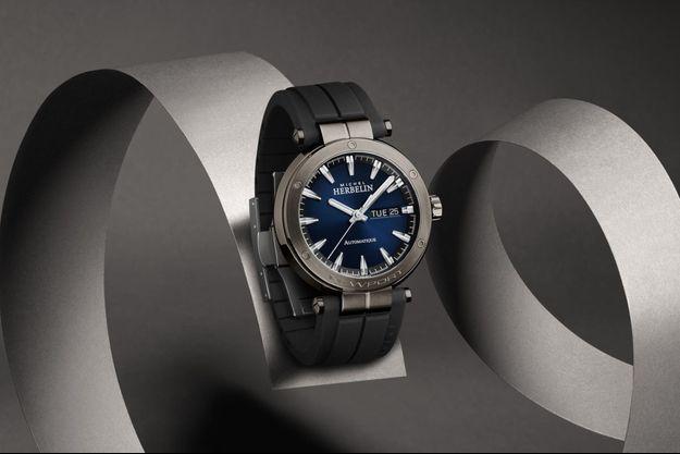 La montre Newport automatique jour/date.