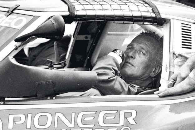 Une photo, prise en 1981, où l'acteur aux yeux bleu glacé arbore la Dayatona au poignet, assis au volant d'une voiture de sport, a suffi pour que sa cote s'envole