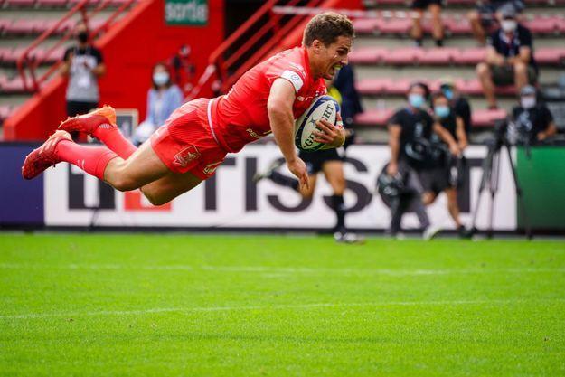 Le rugbyman français Antoine Dupont devient ambassadeur Tissot jusqu'en 2023, année de la prochaine coupe du monde de rugby en France.