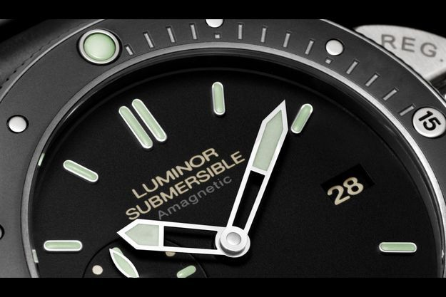 Montre Luminor Submersible 1950 Amagnetic 3 days Automatic Titanio