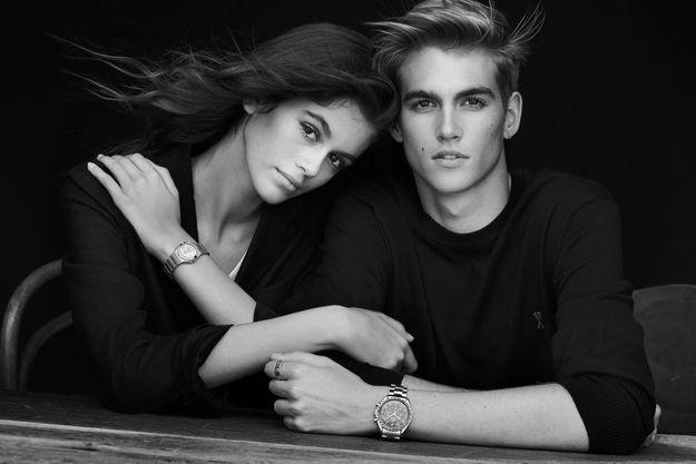 Kaia et Presley Gerber photographiés par Peter Lindbergh pour Omega.