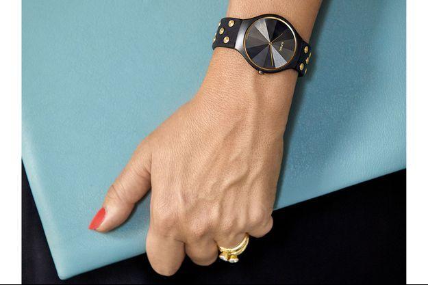 Rado s'est penché sur la collection contemporaine True Thinline et s'est associé à la designer britannique Bethan Gray