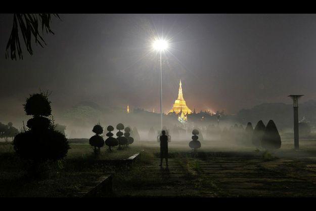 La pagode Shwedagon Paya à Rangoon.