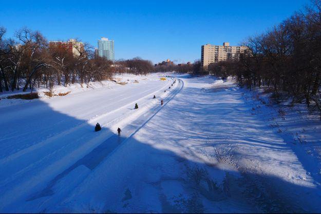 La patinoire naturelle de Winnipeg, au Canada.