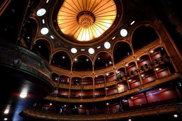 Le théâtre du Châtelet rénové rouvre ses portes.