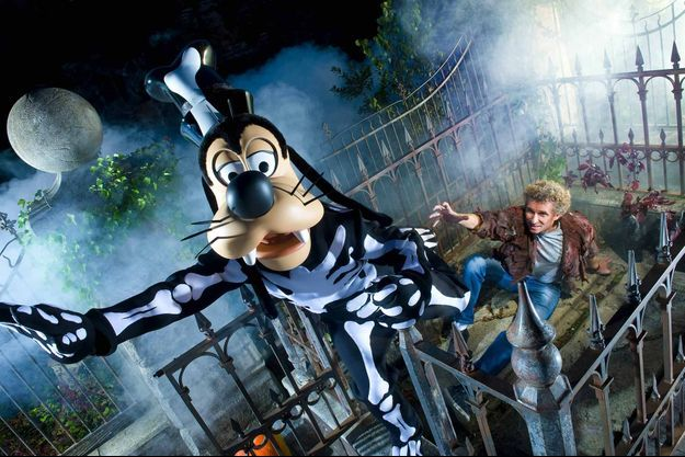 Denis Brogniart à Disneyland Paris en 2011.