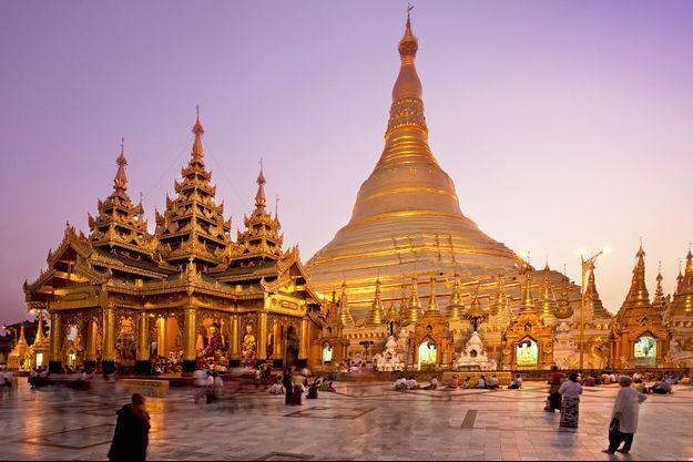 La pagode Shwedagon à Rangoun.