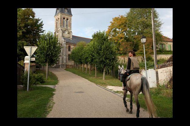 Samedi 12 septembre 2009, Laurence Bougault arrive à Fontainebleau après six mois de chevauchée.