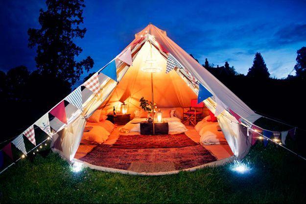 Illustration d'une tente façon lodge.