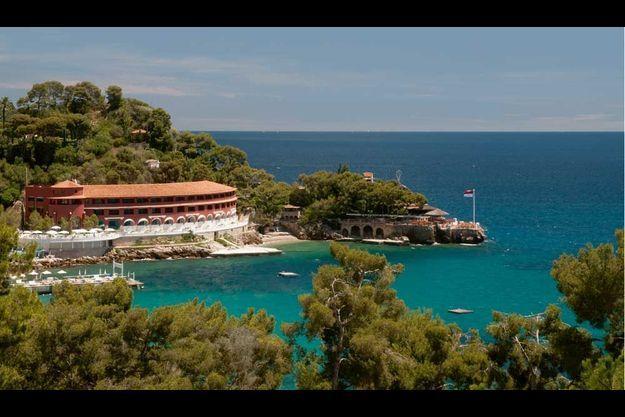 Le Monte Carlo Beach Hotel.