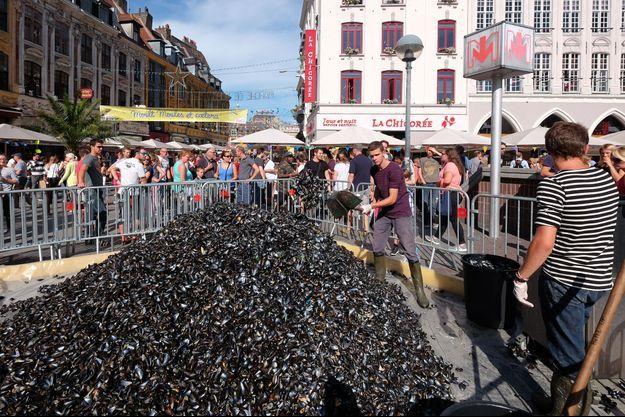 Un tas de moules, à la Braderie de Lille.
