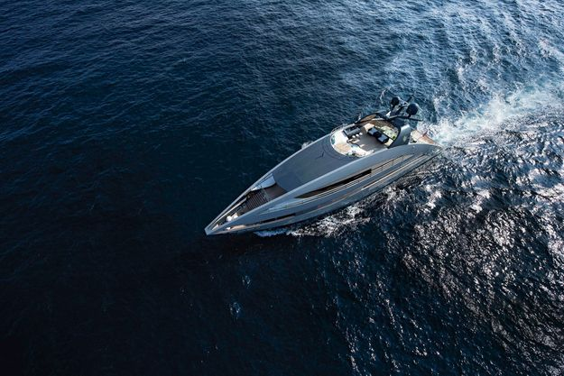 L'« Ocean Emerald », le yacht de 41 mètres dessiné par Norman Foster, sillonnera les eaux de la mer de Chine.