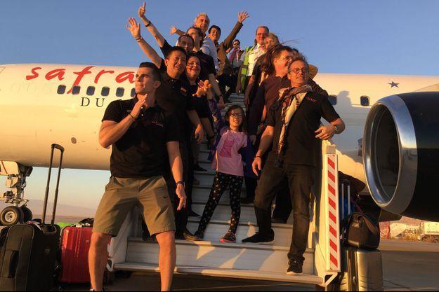 Les voyageurs à l'arrivée du Tour du monde