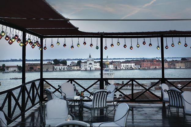 La terrasse de l'hôtel Bauer, une institution