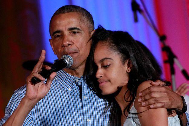 Barack Obama chante pour les 18 ans de sa fille, Malia