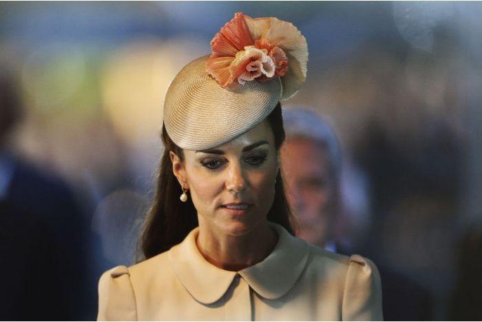Malade, Kate annule un nouveau rendez-vous