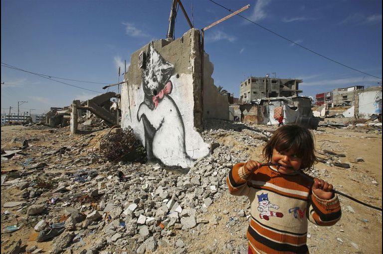 Banksy, l'art dans les rues dévastées de Gaza