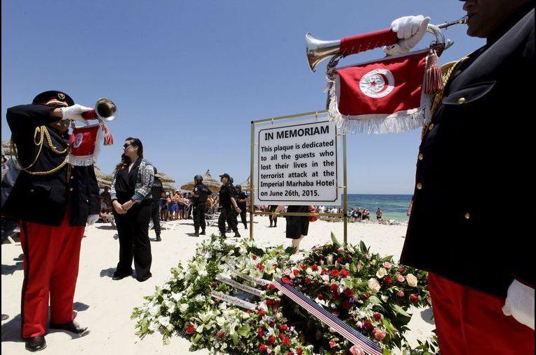 Une minute pour les victimes de Sousse