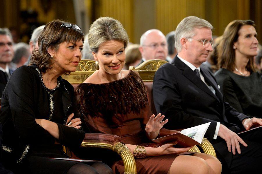 La reine Mathilde et le roi Philippe de Belgique au Palais royal à Bruxelles, le 21 octobre 2015