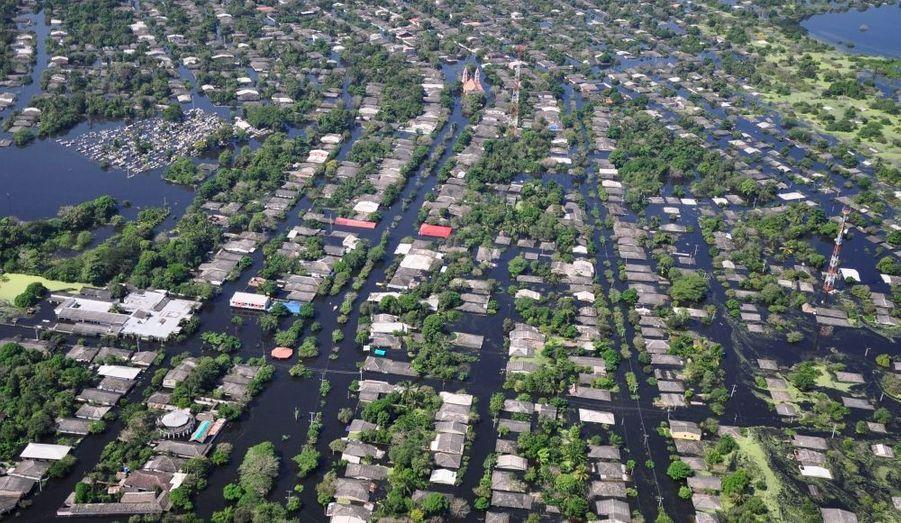 La Colombie a subi de nouvelles inondations meurtrières ce week-end. Plus de 240 personnes ont trouvé la mort, notamment dans la localité de Campo de la Cruz.