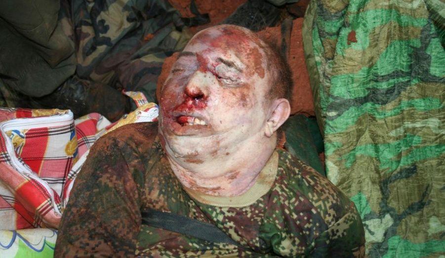Le corps de «Mono Jojoy» commandant des Farc tué dans un bombardement, a été exposé dans dans son camp de La Macarena. Les troupes colombiennes ont tué Jorge Briceno, n°1 militaire du mouvement terroriste lors d'un raid sur son camp situé au milieu de la jungle.