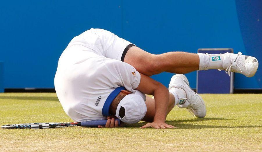 Jérémy Chardy s'est incliné, mercredi, face à Andy Roddick (6-2, 7-6) au deuxième tour du tournoi sur gazon d'Eastbourne. Le Palois laisse donc à l'Américain le soin d'affronter Fabio Fognini en quarts de finale de l'épreuve anglaise.