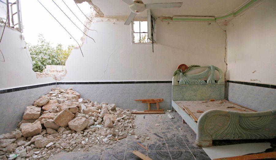 La guerre continue en Syrie. La ville d'Alep a été à nouveau bombardée par les forces loyales au président Bachar Al-Assad.