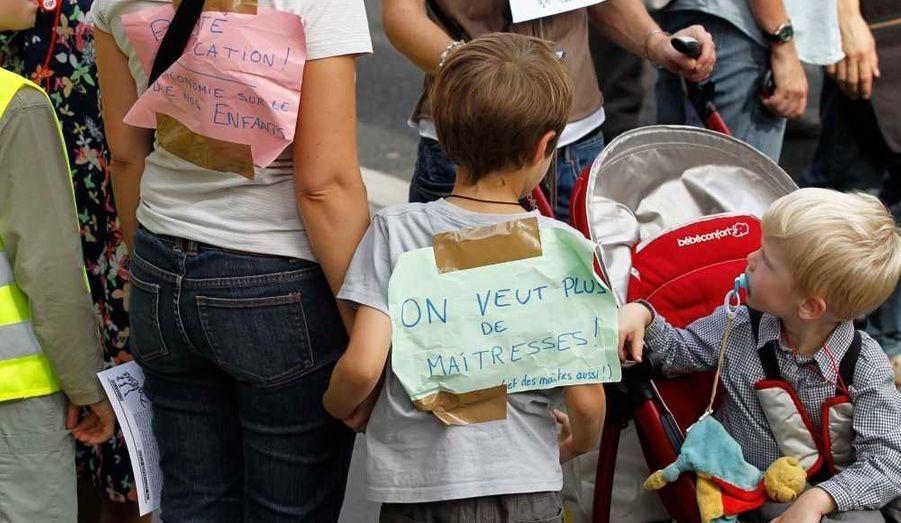 Ce jeudi, les instituteurs étaient en grève pour protester contre les suppressions de postes dans l'Education nationale, à l'appel des syndicats du public et du privé. Les manifestations ont réuni mardi plus de 165 000 manifestants en France.
