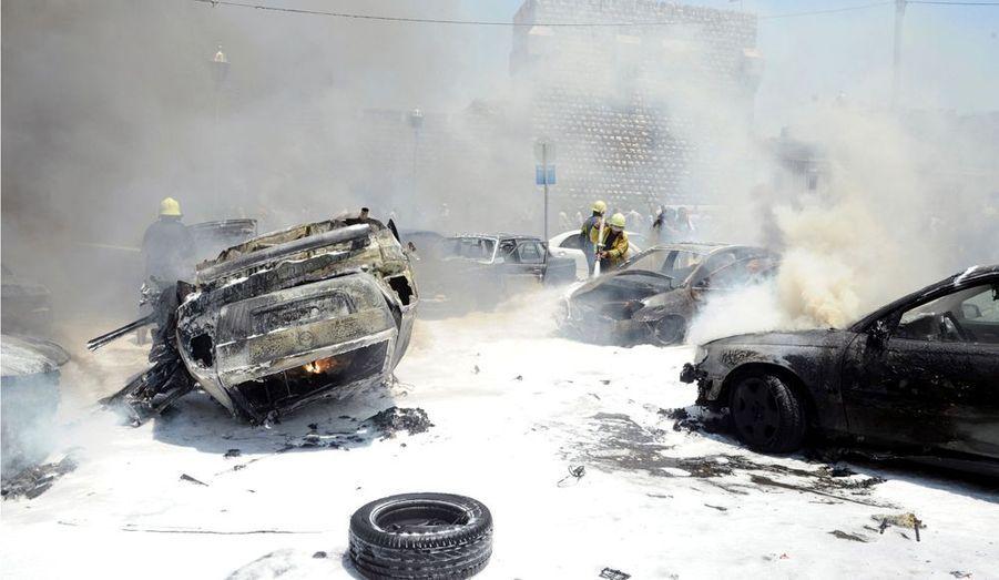 """Jeudi, une bombe a explosé sur le parking du palais de justice de Damas, capitale de la Syrie. Pour la télévision d'Etat, il s'agit d'une """"attaque terroriste"""" qui a fait trois blessés."""