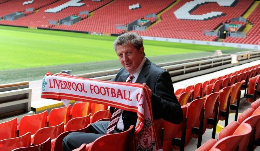 Roy Hodgson a été nommé manager du club de football de Liverpool. Il succède à Rafael Benitez, qui coach désormais l'équipe de l'Inter Milan.