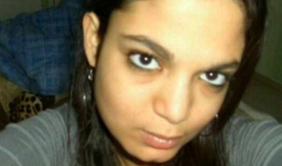 Bahia, une adolescente de 17 ans résidant à Reims, a disparu depuis le 19 août, suite à une dispute avec ses parents. S'il s'agit très probablement d'une fugue –elle craignait de se faire disputer alors que ses parents venaient de découvrir qu'elle fumait- son cas inquiète particulièrement les autorités en raison de la santé fragile de la jeune fille. Outre de ses médicaments contre l'asthme, Bahia serait partie sans les traitements qu'elle prend depuis l'âge de 5 ans, et une triple transplantation. La police a donc lancé un appel à témoins : l'ado a les cheveux noirs mi-longs, les yeux noirs et portait un jean blanc moulant le jour de sa disparition.