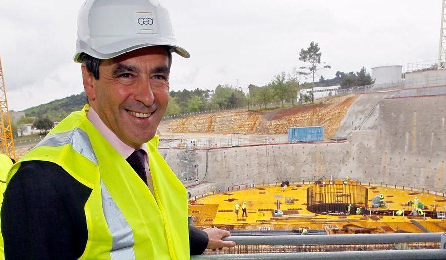 """François Fillon a visité cet après-midi le chantier du réacteur de recherche Jules-Horowitz (centre de Cadarache), du Commissariat à l'énergie atomique (CEA), financé en partie par le """"grand emprunt""""."""