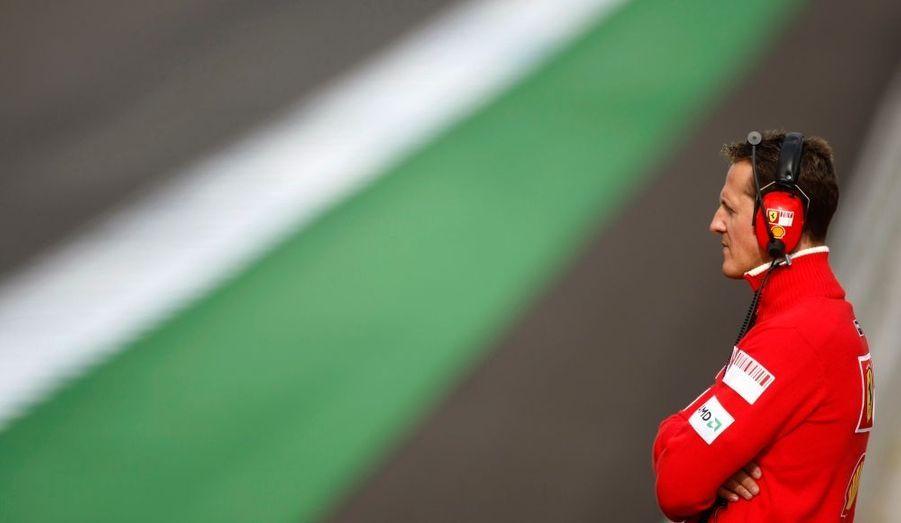 Michael Schumacher va effectuer dans trois semaines à Valence, à l'occasion du Grand Prix d'Europe, son grand retour en Formule 1. L'ex-champion du monde allemand, retraité depuis fin 2006, remplacera Felipe Massa au volant de sa Ferrari. Un come-back consécutif au sérieux accident du pilote brésilien, le week-end dernier, lors du Grand Prix de Hongrie.