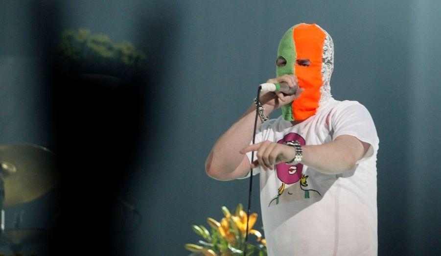 Le groupe de Hard Rock Faith No More portait un masque lors de son concert à Moscou en signe de protestation après l'arrestation des trois membres des Pussy Riot. Les jeunes femmes risquent jusqu'à sept ans de prison pour trouble à l'ordre public après avoir manifesté contre Vladimir Poutine en février dernier.