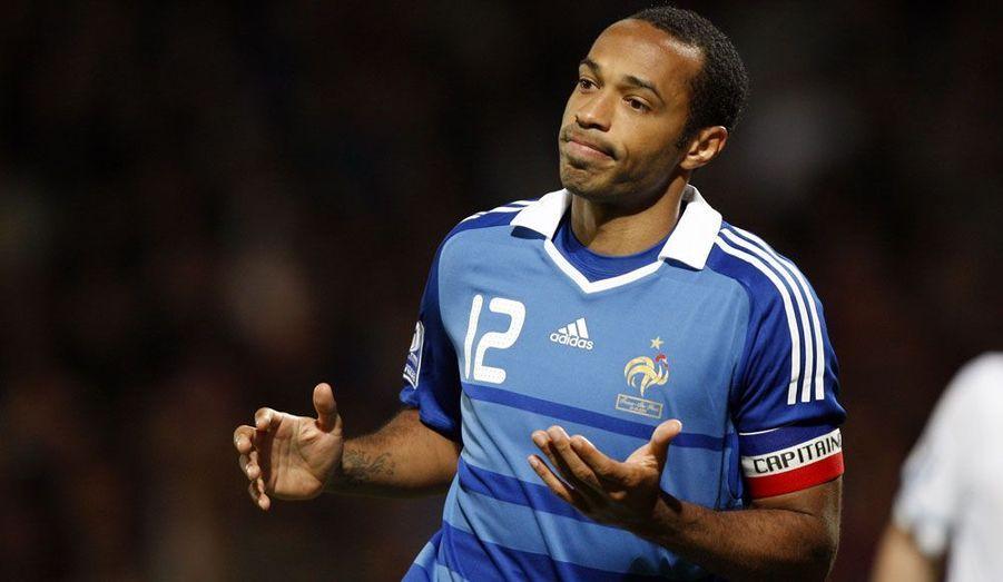 La Fédération internationale de football (Fifa) a annoncé mercredi l'ouverture d'une procédure disciplinaire à l'encontre de Thierry Henry. La main de l'attaquant lors du match France-Irlande, qualificatif pour la Coupe du Monde 2010 de football a fait polémique pendant plusieurs jours.
