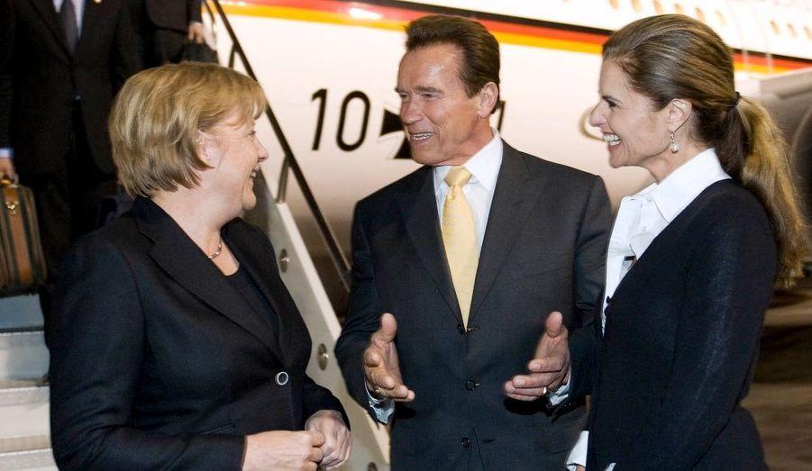 Arnold Schwarzenegger, gouverneur de Californie, et son épouse, ont accueilli la chancelière allemande Angela Merkel à son arrivée à Los Angeles.